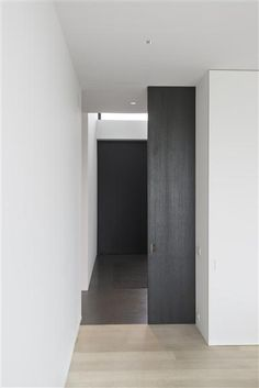 | MODERN + BLACK | #Photography by #KarelVanOverberghe #Architecture & #Design by #DaskalLaperre | #gaileguevara loves the timeless approach of #Belgium #interiors #black #white #wood #stairs
