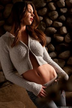 Amber Sym - The Daily Babe, Sexy Pics, served up fresh daily. Monday, September 2, 2013.