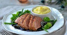Ankbröst med svartkål och gratinerad potatis | Land.se Steak, Food, Meal, Hoods, Steaks, Eten, Meals