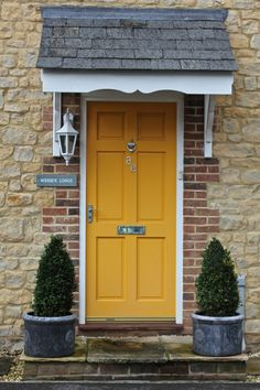 New yellow front door brick house Ideas House, Yellow Doors, House Exterior, Golden Door, Yellow House Exterior, Front Door, Exterior Doors, Yellow Front Doors, Doors
