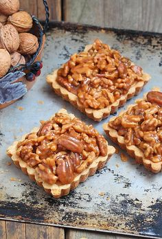 Delicious little tartlets on a shortbread base topped with a Sweet Pie, Sweet Tarts, Shortbread, Vegan Desserts, Fun Desserts, Tea Snacks, Mini Tart, Dessert Cake Recipes, Pastry And Bakery