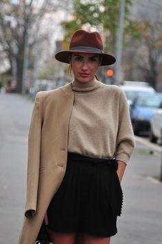 Winter sweater & shorts - PATRICIA MANFIELD