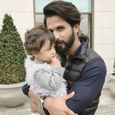 Shahid Kapoor shares yet another adorable selfie with Misha before her first birthday.
