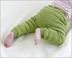 Gnalling from Knits for Little Imps - 11 pattern ebook of baby knits / På dansk i hæftet Strik til Spilopper