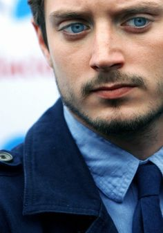 Elijah Wood has absolutely incredible eyes... But guys with such eyes are absolutely crazy in real life))