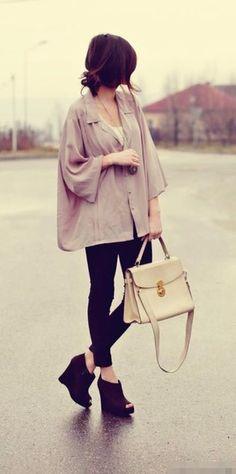 Loose gray blouse + black skinny jeans
