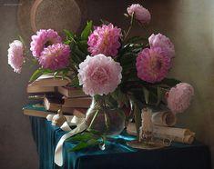 \\\ - still-life, flowers, light, peones