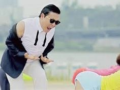 """Despite the overall positive reactions in the West, the virality of """"Gangnam Style"""" has brought out a wide range of reactions within the K-pop fandom itself. K Pop, Whatsapp Funny Pictures, Psy Gangnam Style, Lady In My Life, Monitor, Funny Memes, Jokes, Music Film, Pop Music"""