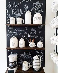 18 trendy home bar station chalkboard walls Coffee Bar Design, Coffee Bar Home, Home Coffee Stations, Beverage Stations, Küchen Design, Design Ideas, Trendy Home, Cafe Bar, Decorating Your Home