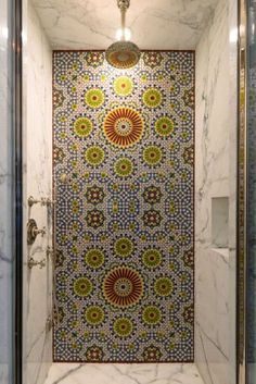 Flower tiles in the bathroom (in a home owned by Robert Pattinson)