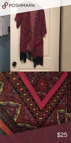 Lularoe Monroe Kimono Size small (fits up to size 10), EUC (worn just a few times) LuLaRoe Other