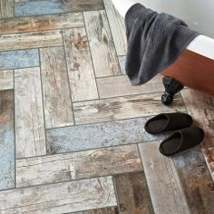 These Rustic Blue Reclaimed Wood Effect Tiles have a mix of different colours and textures; allowing you to invite the popular reclaimed trend into your home. Wood Plank Tile, Wood Planks, Rustic Blue, Blue Wood, Floor Patterns, Tile Patterns, Ceramic Floor Tiles, Tile Floor, Rustic Bathroom Designs