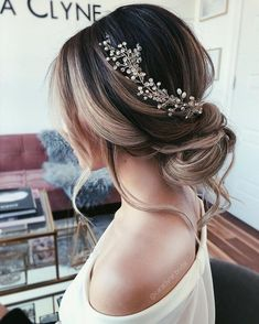57 Gorgeous Wedding Hairstyles For A Gorgeous Rustic Barn We.- 57 Gorgeous Wedding Hairstyles For A Gorgeous Rustic Barn Wedding Blown away with these 57 Beautiful Messy wedding hair ,textured updo, soft wavy updo , half up half down bridal hairstyles - Wedding Hairstyles Half Up Half Down, Best Wedding Hairstyles, Bride Hairstyles, Down Hairstyles, Gorgeous Hairstyles, Retro Hairstyles, Hairstyle Ideas, Bridal Hair Half Up Medium, Half Up Half Down Bridal Hair