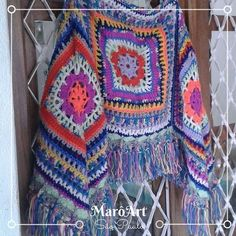 poncho de crochê colorido - MarôArt