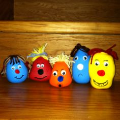 Fill balloons with salt. Then decorate as desired. The cutest stress balls ever!