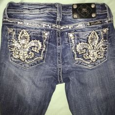 Miss Me Jeans Worn once, look brand new Miss Me Jeans Straight Leg
