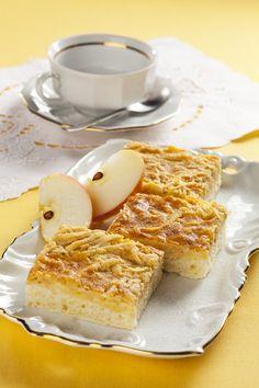 Potečú vám slinky: Jablkové rezy so šľahačkou My Favorite Food, Favorite Recipes, My Favorite Things, French Toast, Sweets, Apple, Breakfast, Cake, Basket