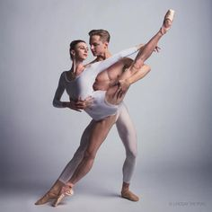 © Lindsay Thomas  Elle Macy and Dylan Wald, Pacific Northwest Ballet  Ballet Beautiful   ZsaZsa Bellagio - Like No Other