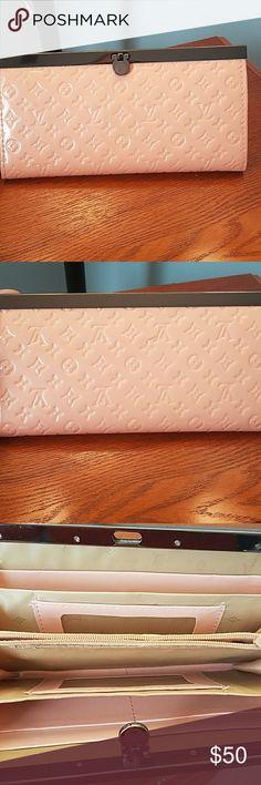 Louis Vuitton wallet Light Pink wallet Accessories