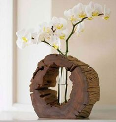 unique flower vase using a wood slice