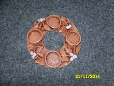 zs-sm | Prodej keramických výrobků od dětí z družiny a jejich radost z hraček – rajce.net Advent Wreath, Wreaths, Sculpture, Heart, Door Wreaths, Sculptures, Deco Mesh Wreaths, Sculpting, Statue