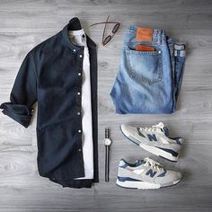 Capsule wardrobe approved outfit grid for men 29 - Fashionetter Mode Outfits, Casual Outfits, Fashion Outfits, Summer Outfits, Fashion Advice, Fashion Shoes, Fashion Websites, Casual Dresses, Mode Masculine
