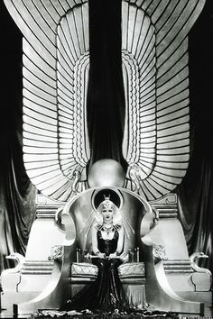Claudette Colbert - Cleopatra - Director: Cecil B. DeMille - true vintage