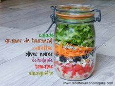 Aujourd'hui je vous propose une salade en bocal… J'adore cette présentation, c'est jolie, original, rapide, économique, on peut l'emporter au travail ou la mettre sur la table pour une entrée sympa. En plus, on peut mettre ce qu'on veut dans cette salade, c'est à vous de jouer.