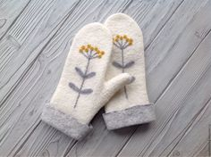 Варежки, митенки, перчатки ручной работы. Варежки валяные. Теплые ручки варежки. Ярмарка Мастеров. Варежки теплые, варежки валяные Wool Gloves, Crochet Gloves, Mitten Gloves, Mittens Pattern, Knit Mittens, Knitted Hats, Crochet Wrist Warmers, Hand Warmers, Knitting Designs