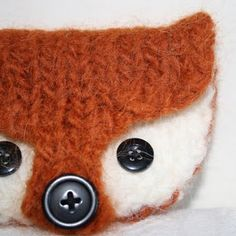 Knitted fox felt purse pattern (for purchase).  soo cuuuute