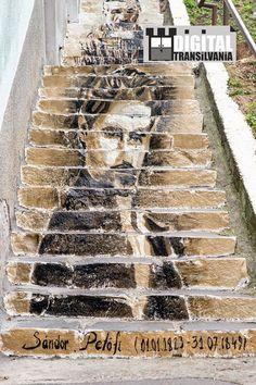 Scări multiculturale -Târgu Mureș Street Wall Art, Street Art Banksy, Street Mural, Urban Street Art, Graffiti Artwork, Mural Art, Cool Artwork, Stairway Art, Beautiful Stairs