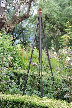 Hirtenstab pflanzenstab kunstvoll aus edelrost schweres for Gartendeko eisen gartendekorationen