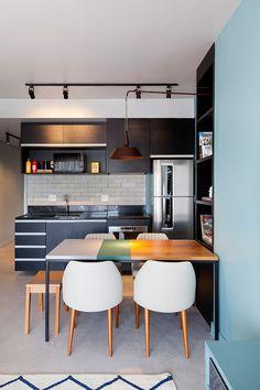 Um décor com ambientes integrados, cheio de cores claras e muita iluminação: http://www.casadevalentina.com.br/blog/pequeno-grande-ape/ --------------------- A décor with integrated environments, full of bright colors and plenty of lighting: http://www.casadevalentina.com.br/blog/pequeno-grande-ape/