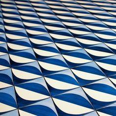 Hotel in Sorrento, Italy - Giò Ponti © David Carlson Gio Ponti, Tile Patterns, Textures Patterns, Sorrento, Art Furniture, Plywood Furniture, Modern Furniture, Furniture Design, Motifs Textiles