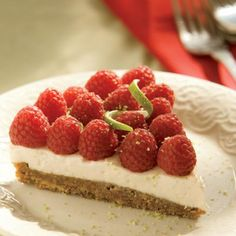 Easy dessert for summer: Raspberry Lime Tart Recipe. Super simple ingredients (I have most of these on hand all the time)