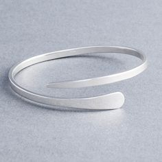 Lily Silver Tapered Cross Over Bangle – Tulip Jewellery