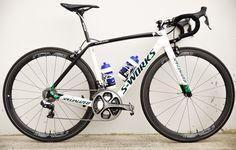 Dan Martin's Specialized S-Works Tarmac http://www.bicycling.com/bikes-gear/tour-de-france/the-coolest-custom-bikes-of-the-2016-tour-de-france/slide/20
