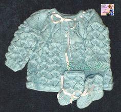 TRICÔ DA MÉIA Baby Knitting Patterns, Knitting Baby Girl, Baby Sweater Patterns, Baby Patterns, Crochet Baby, Knit Crochet, Crochet Doll Clothes, Doll Clothes Patterns, Clothing Patterns