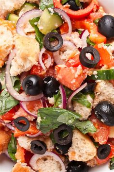 Tuscan Bread Salad, which is also known as Panzanella. Using bread in a salad might sound unusual but this is seriously yummy! #panzanella #bread #salad