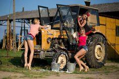 Zdjęcia: Wódka, zakąska i seksowne Słowianki. To Donatan i Cleo imprezują razem z grupąEnej [ZDJĘCIA] - Strona 4 - Serwis muzyczny dziennik.pl Monster Trucks, Vehicles, Cars, Autos, Car, Car, Automobile, Vehicle, Trucks