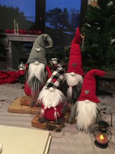 Awesome Outdoor Christmas Decorations for a Winter Wonderland - A MANÓK Scandinavian Gnomes, Scandinavian Christmas, Christmas Gnome, Christmas Projects, Winter Christmas, Gnome Tutorial, Christmas Crafts, Christmas Ornaments, Outdoor Christmas Decorations