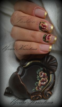 Fashion acrylic nails with handpainting