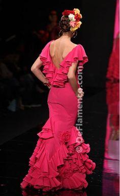 Precioso vestido en fucsia de Vicky Martin Berrocal.