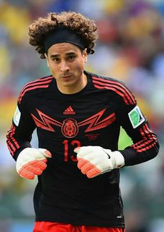 Guillermo Ochoa Photos Photos  Netherlands v Mexico  Round of 16 - 2014  FIFA World Cup Brazil 6f62549dc