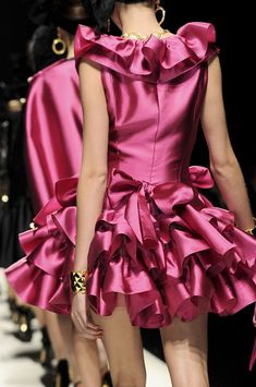 Moschino at Milan Fashion Week Fall 2012 - Details Runway Photos