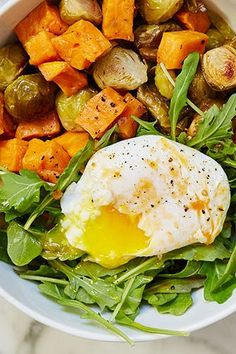 A Week's Worth of Anti-Inflammatory Recipes for Breakfast, Lunch and Dinner purewow cooking food anti-inflammatory health wellness healthy 152770612345017155 Healthy Breakfast Recipes, Clean Eating Recipes, Clean Eating Snacks, Vegetarian Recipes, Healthy Eating, Healthy Recipes, Breakfast Cooking, Vegan Vegetarian, Keto Recipes