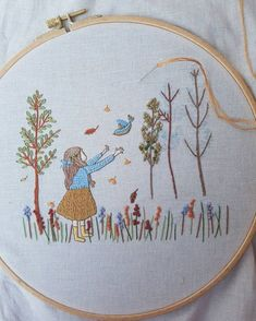 Pretty and Simple Fall Embroidery. Hand Embroidery Stitches, Modern Embroidery, Embroidery Patches, Embroidery Hoop Art, Hand Embroidery Designs, Ribbon Embroidery, Cross Stitch Embroidery, Quilt Stitching, Cross Stitching