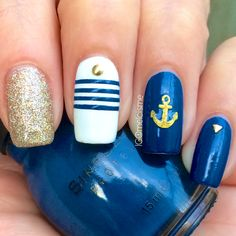 Nautical nails by Instagram user melcisme #summer #summernails #nautical #nails