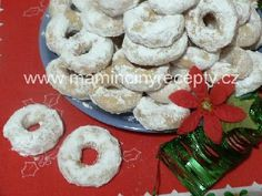Christmas Cookies, Doughnut, Biscuits, Desserts, Food, Crack Crackers, Tailgate Desserts, Meal, Cookie Recipes