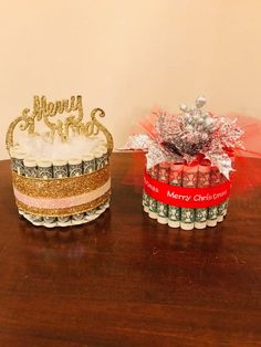 Discover thousands of images about Medium Christmas Money Cake Perfect Christmas Gifts, Homemade Christmas, Holiday Gifts, Christmas Crafts, Cosy Christmas, Money Birthday Cake, Money Cake, Homemade Gifts, Diy Gifts